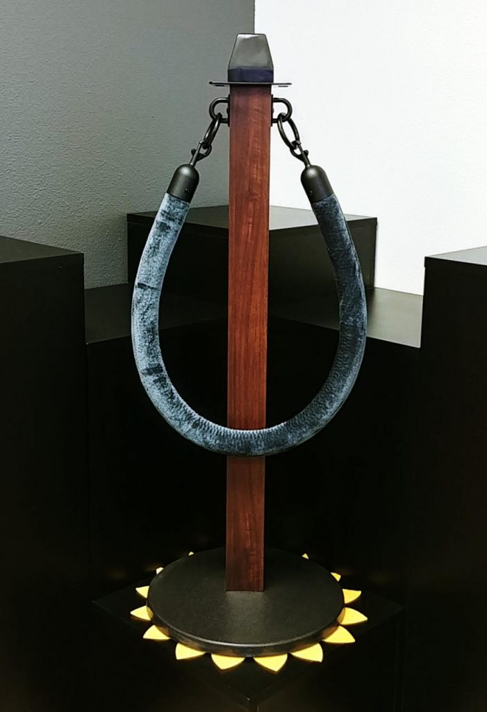 Brown Faux Wood Powder Coated Stanchion With Blue Rope